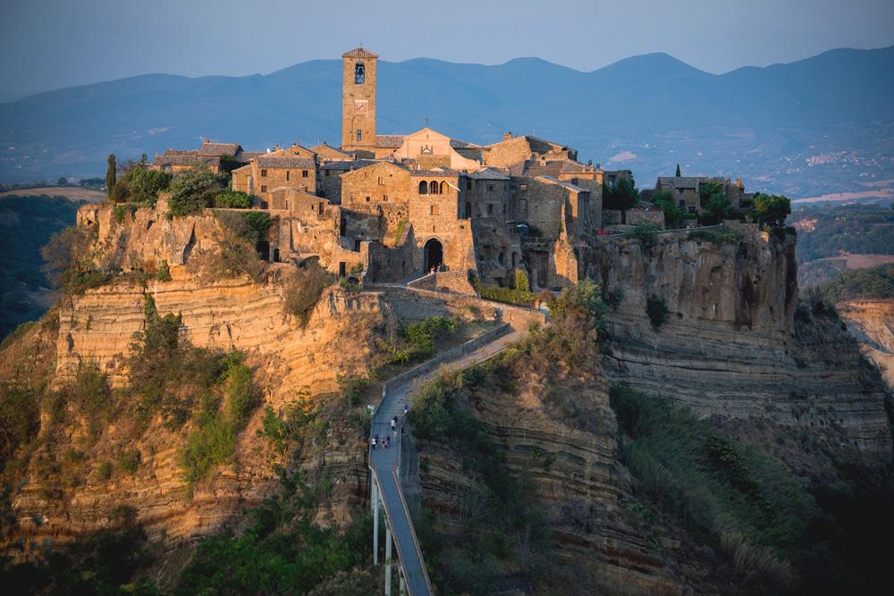 01 - The town of Civita
