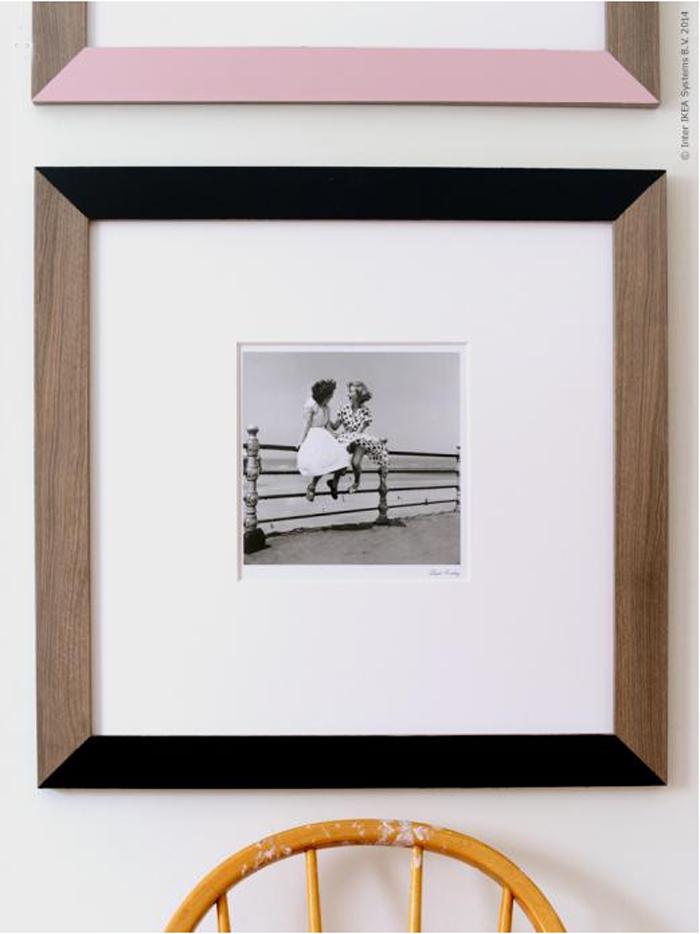 Cornici fai da te in stile anni 60 in the mood for design for Cornici foto ikea