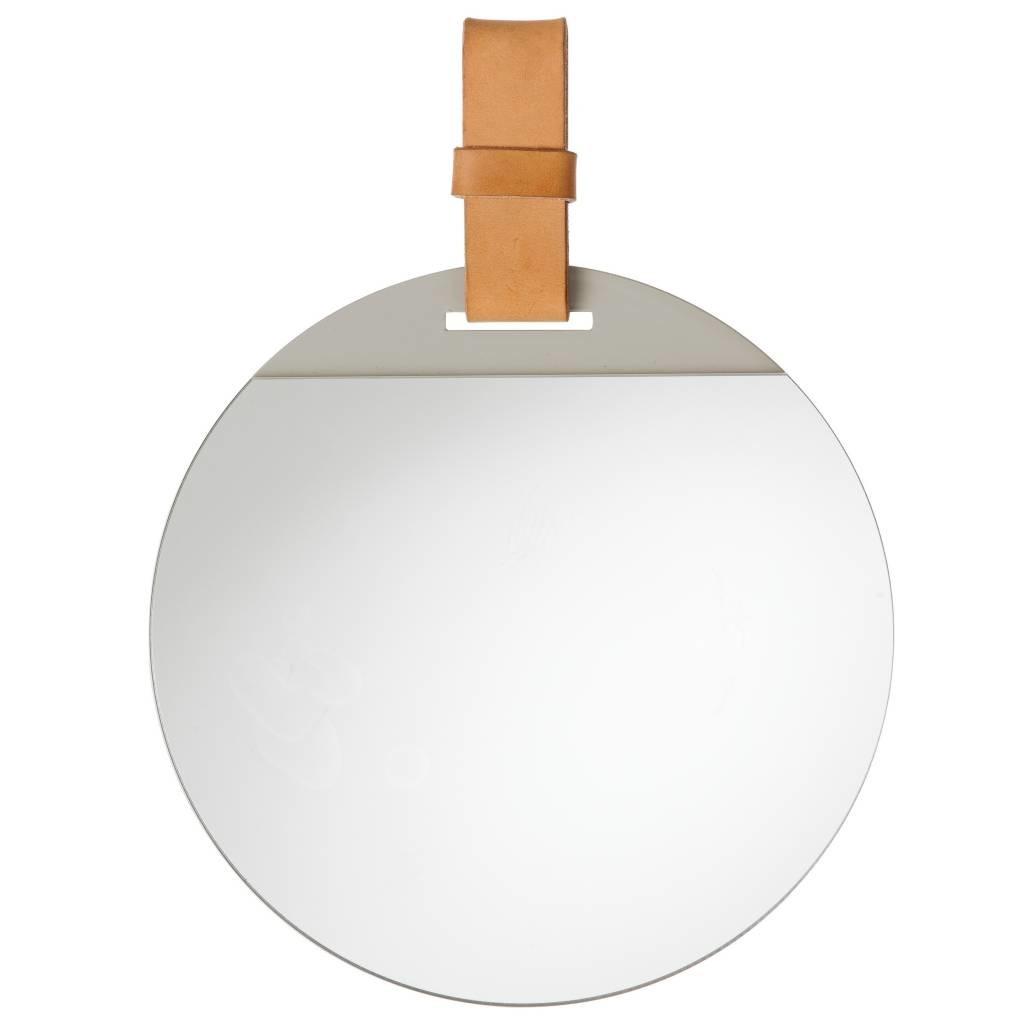 ferm-living-inserisci-specchio-con-fascia-di-cuoio