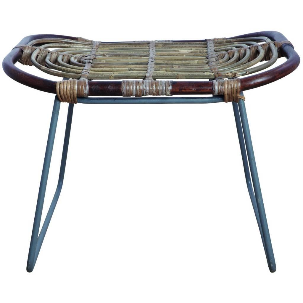 housedoctor-sgabello-kawa-fatta-di-rattan-metallo