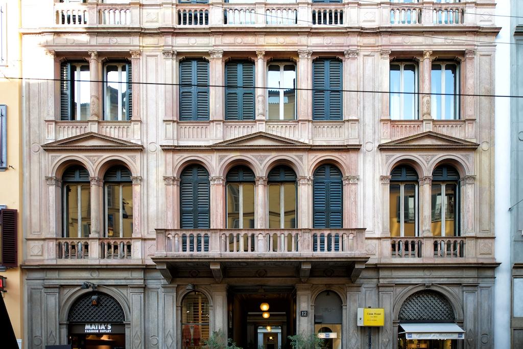 Secondo pensiero, Milano