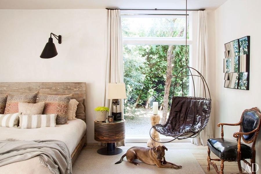 item10.rendition.slideshowHorizontal.patrick-dempsey-malibu-home-16-master-bedroom