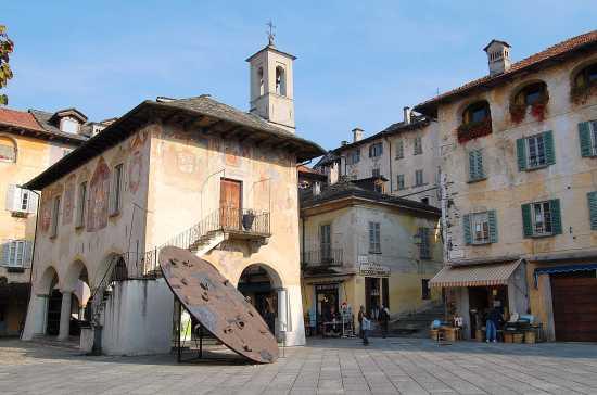 Orta (Piazza Motta)