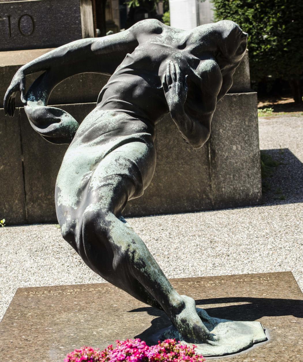monumento-Brusati-Negri