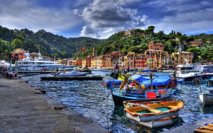 Vista di Portofino, Liguria, Italia