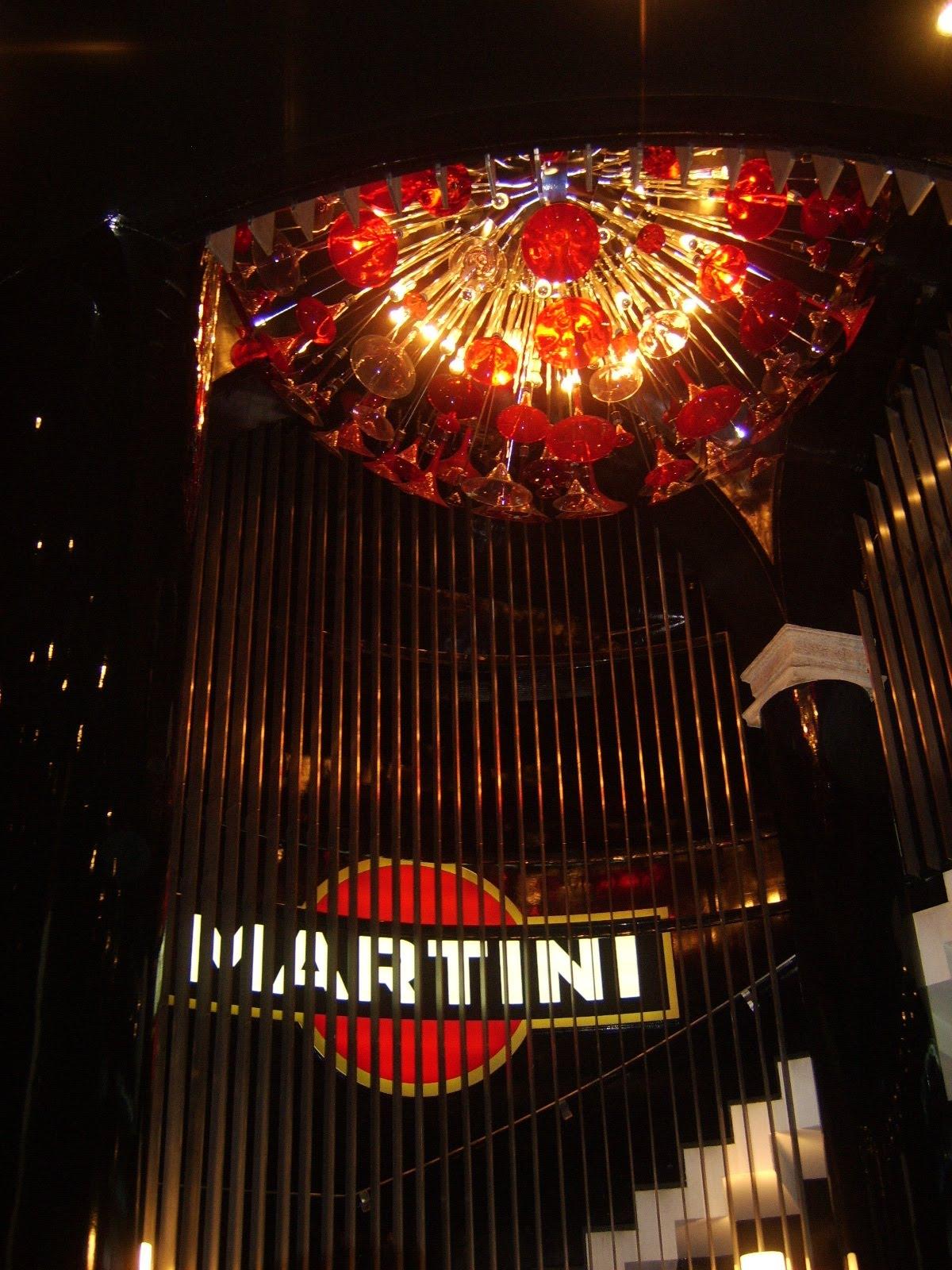 Martin e Dolce Gabbana, Bar Milano