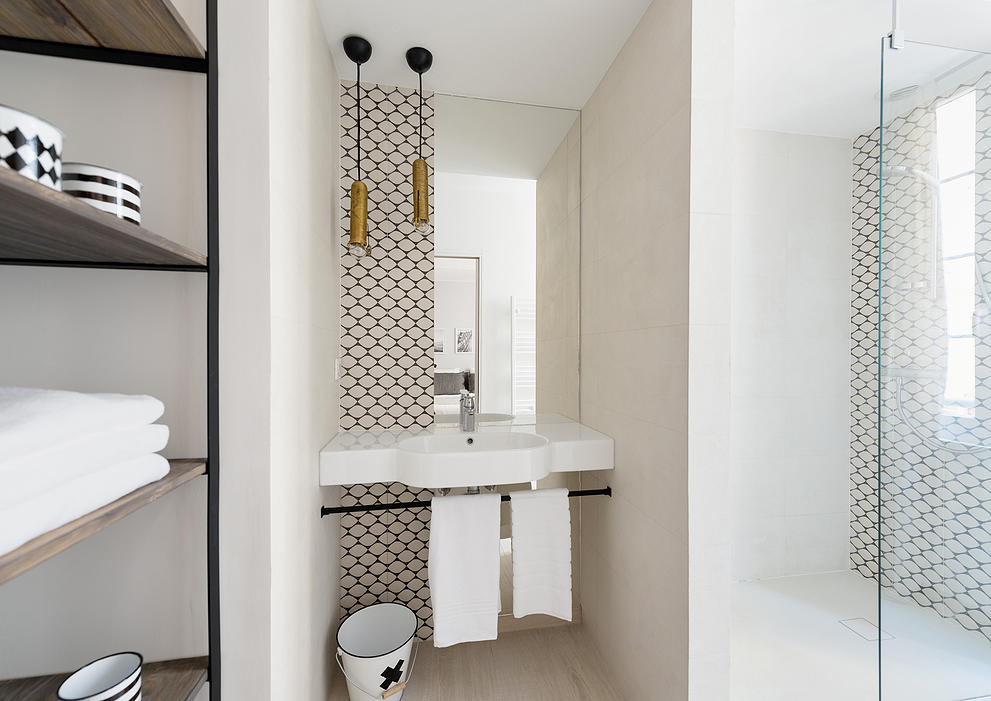 Piastrelle Esagonali Bagno : Decor tips: piccoli bagni pieni di stile u2013 in the mood for design