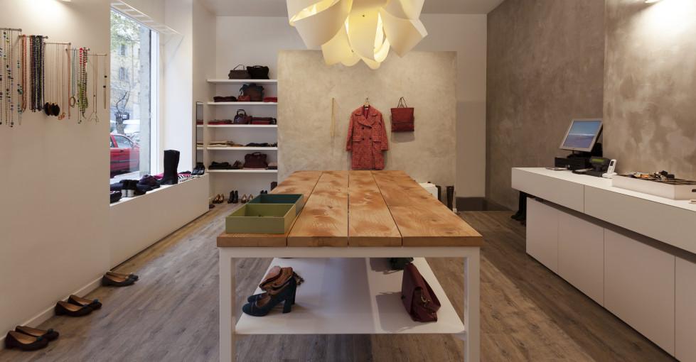 Suede, abbigliamento e scarpe a Milano – In the mood for design
