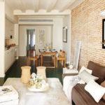 Una piccola casa piena di luce a Barcellona