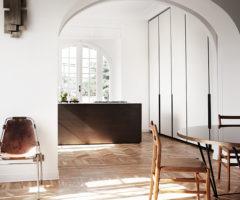Bianco e dettagli architettonici per un appartamento a Roma