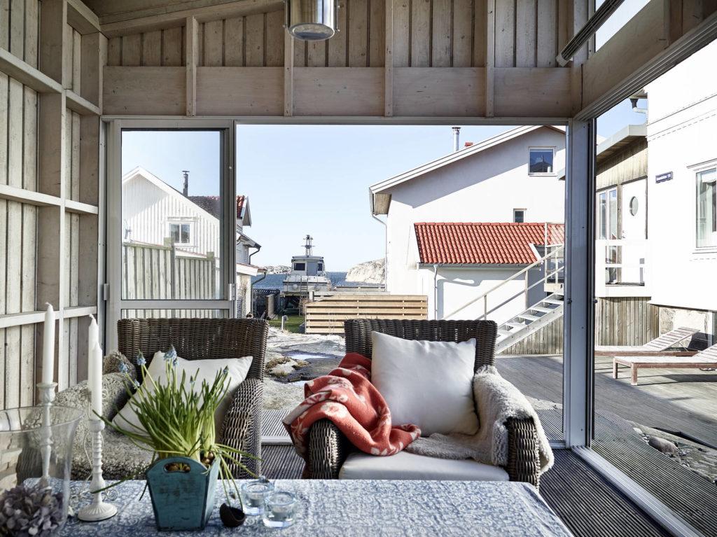 Una piccola casa in riva al mare in the mood for design - Affittare una casa al mare ...