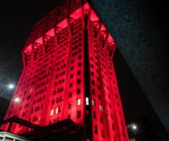 La Torre Velasca  si tinge di rosso per il Fuori Salone