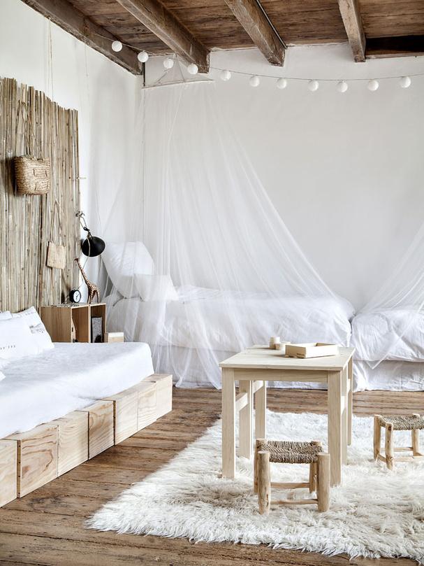 una vacanza al castello di dirac in francia in the mood. Black Bedroom Furniture Sets. Home Design Ideas