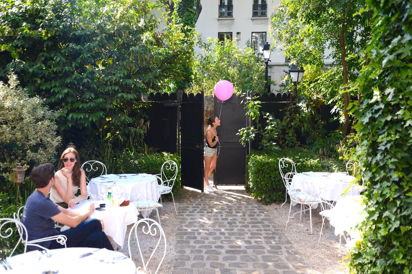 hotel particulier montmartre a parigi in the mood for design. Black Bedroom Furniture Sets. Home Design Ideas