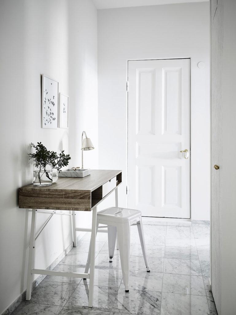 casa in total white 2