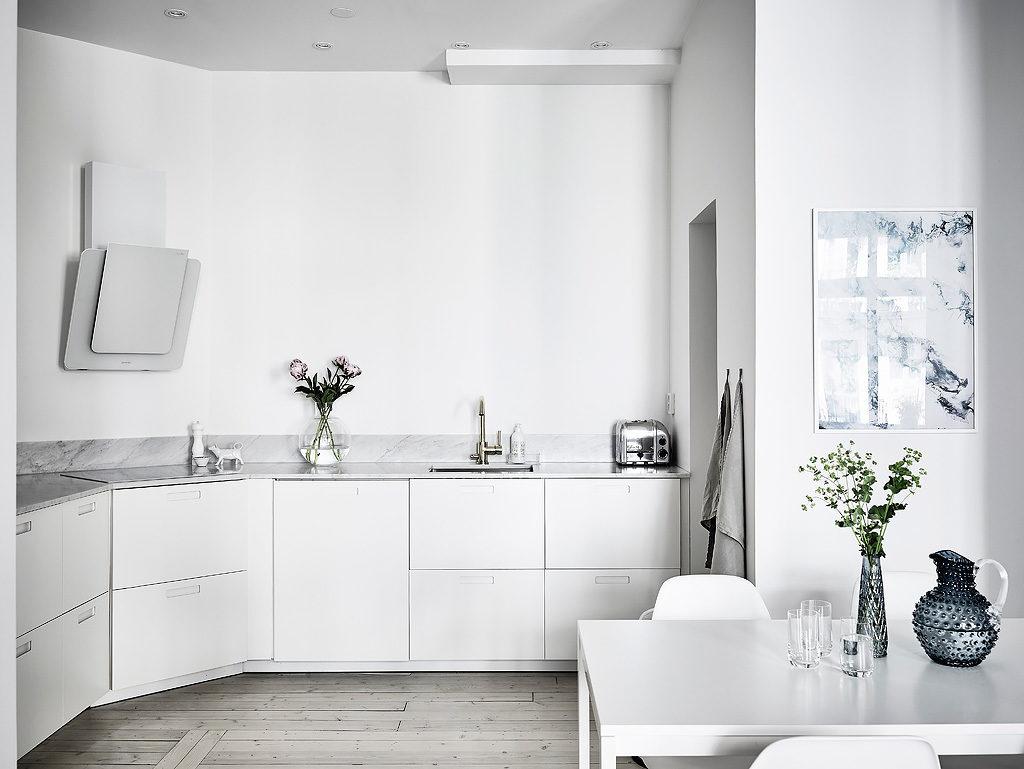 casa in total white cucina