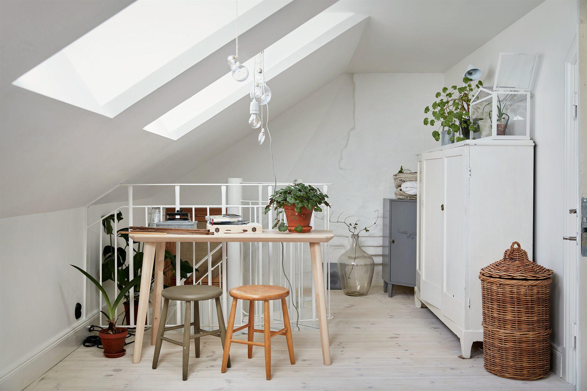 Tiny and cozy 54 mq su due piani per una piccola casa in for Migliori piani casa a due piani 2016