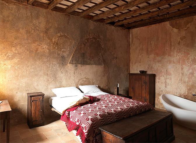 design stanza da letto sextantio un hotel diffuso dall atmosfera medievale in