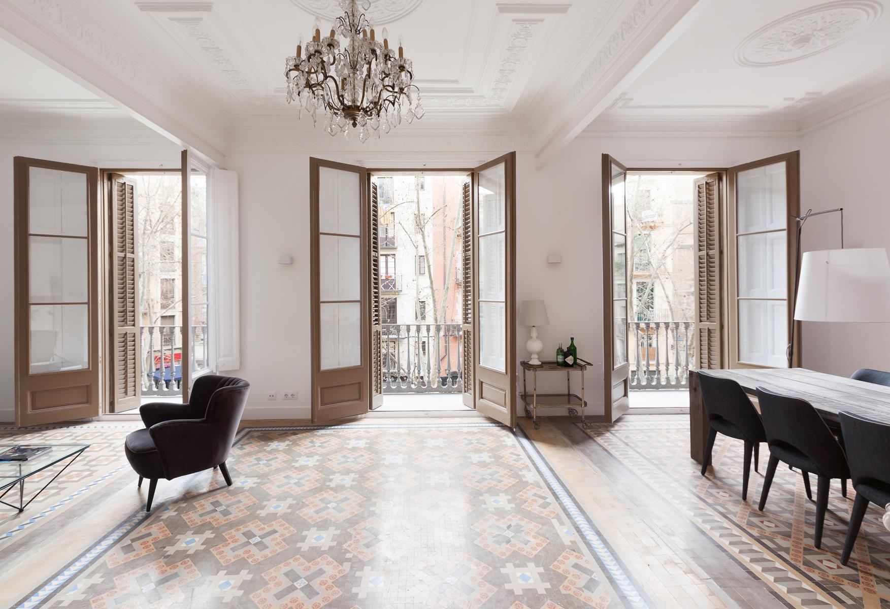 Get the look una casa luminosa con i pavimenti in for Idee appartamento