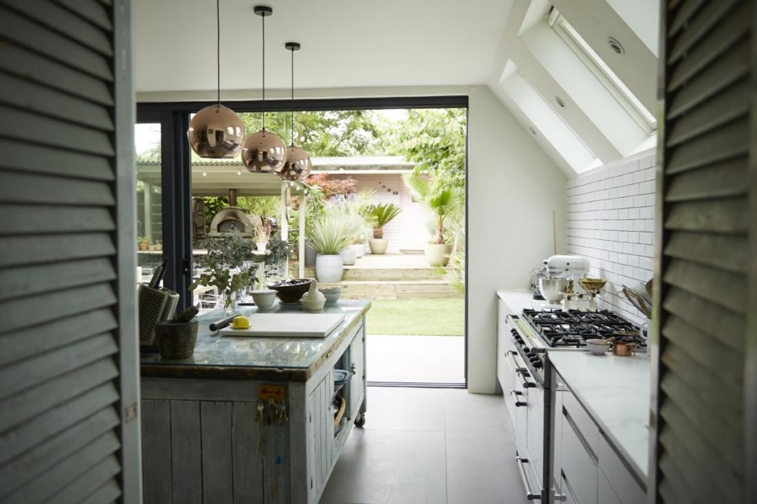 Cucina con vista sul giardino - In the mood for design