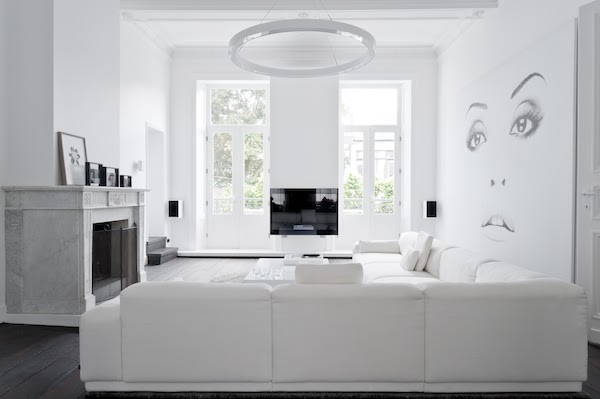 4 Un interno total white a Maastricht