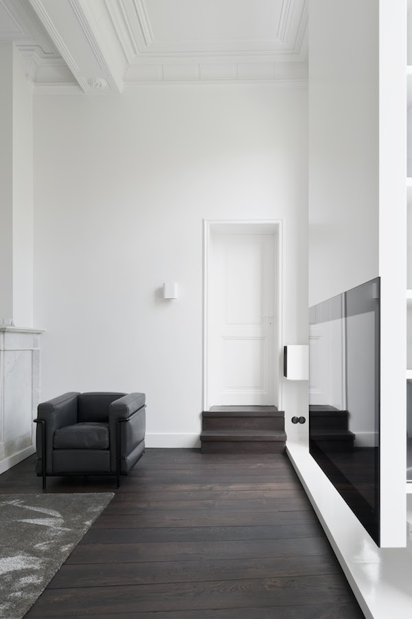 5 Un interno total white a Maastricht