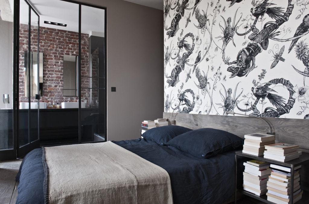 Un loft industriale a Parigi letto