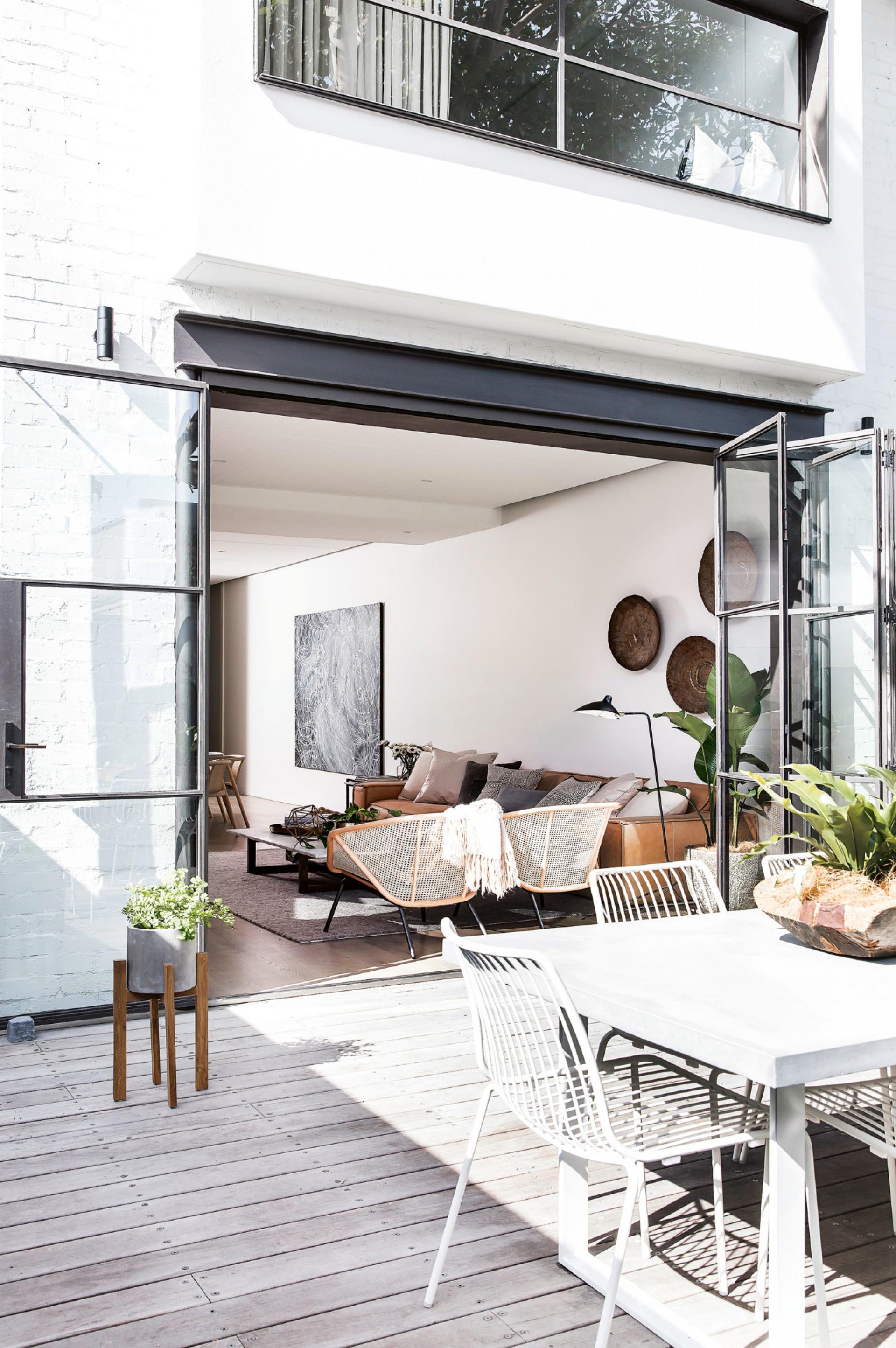 Una casa affacciata sul giardino in the mood for design - Design giardino casa ...