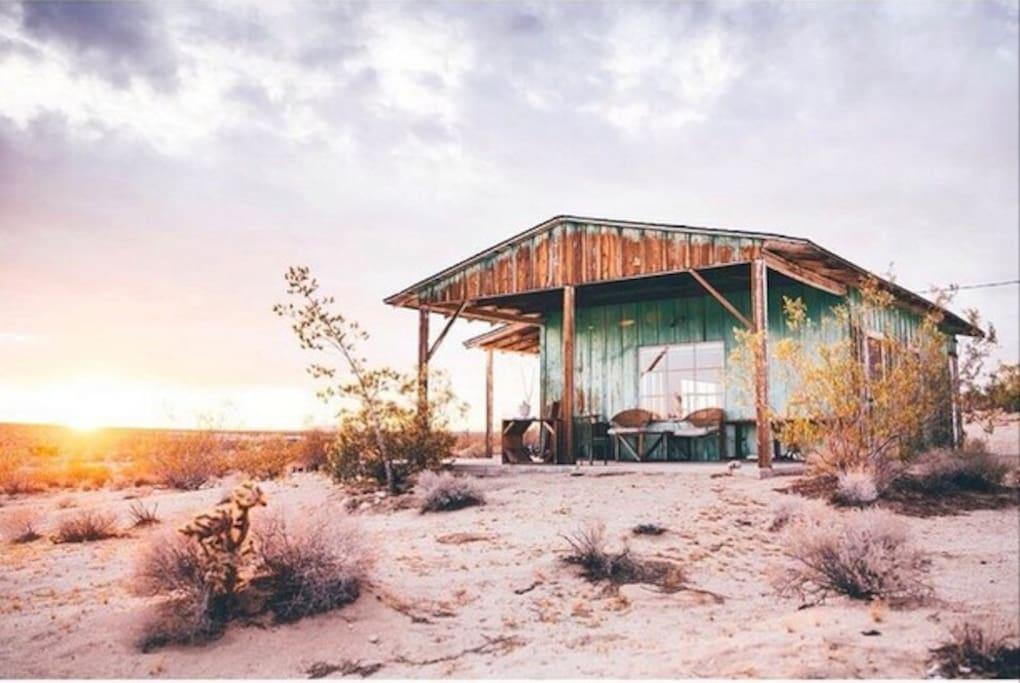 Joushua Tree Cabin 1