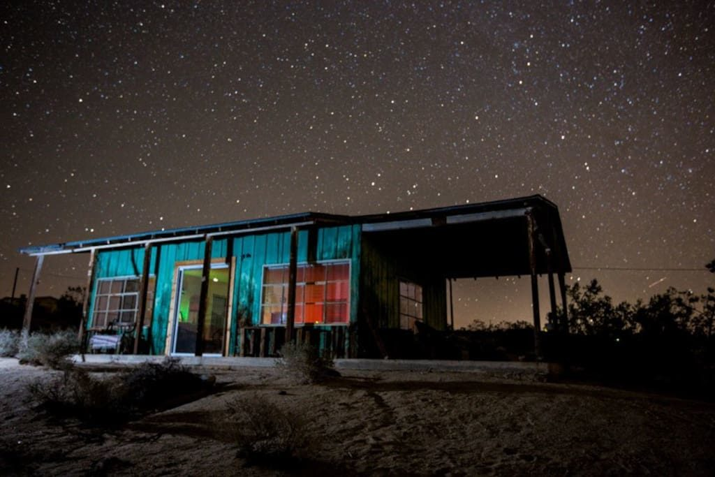 Joushua Tree Cabin by night