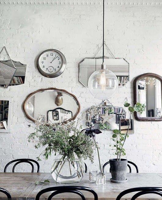 Specchi Piccoli Da Parete.Decor Tips Uno Specchio Vintage E La Parete Prende Vita In The