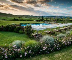 Relais Sant'Elena: una Toscana bucolica e profumata