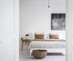 Spotlight on colors: il delicato abbinamento di bianco e color cuoio