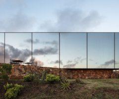 In the mood for Uruguay: Sacromonte, un hotel mimetizzato nel paesaggio