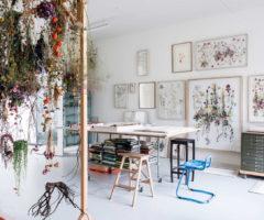 Interior Inspiration: una gioiosa casa piena di piante e fiori