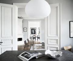Spotlight on color: una palette neutra per un interno svedese