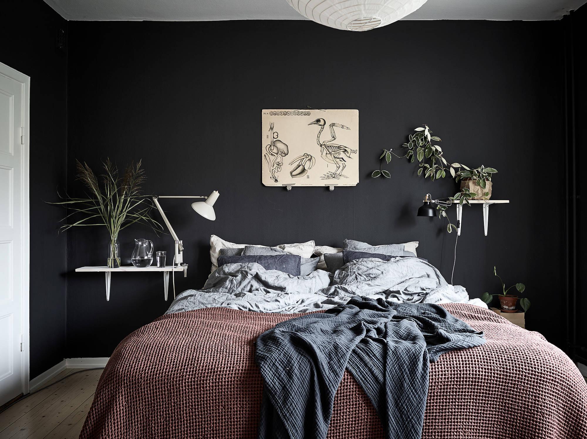 Spotlight on color: look deciso per una stanza da letto ...