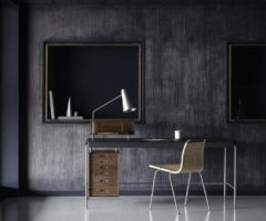 Special Products: Carl Hansen ripropone l'iconica scrivania Society Table di Arne Jacobsen