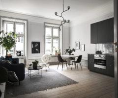 Tiny & cozy: una cucina affacciata sulla zona conversazione