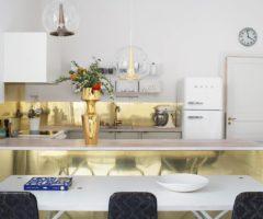 Interior Inspiration: stile personale e tanto oro per la casa di una designer