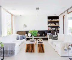 Interior Inspiration: cemento e vetrate infinite per una casa argentina