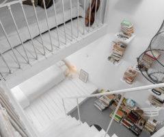 Interior inspiration: un appartamento con vista sui tetti nell'entroterra di Cannes