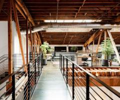 Get the look: la trasformazione di un loft industriale in ufficio moderno