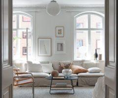 Tiny&cozy: un grande monolocale con cucina nelle tonalità del beige