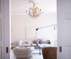 Spotlight on color: un nota color cipria per un interno che mixa classico e moderno