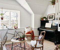Tiny and cozy: 54 mq su due piani per una piccola casa in Svezia