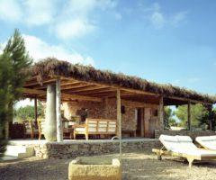 Una piccola casa immersa nella natura di Formentera