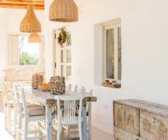 Interior Inspiration: una casa dal gusto shabby sull'isola di Ibiza