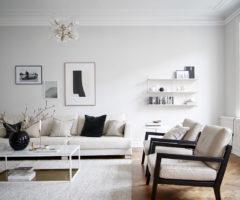 Get the look: total white senza noia per un appartamento in uno stabile d'epoca