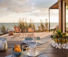 Vacanze italiane: ambienti mediterranei per una casa al mare in Sicilia